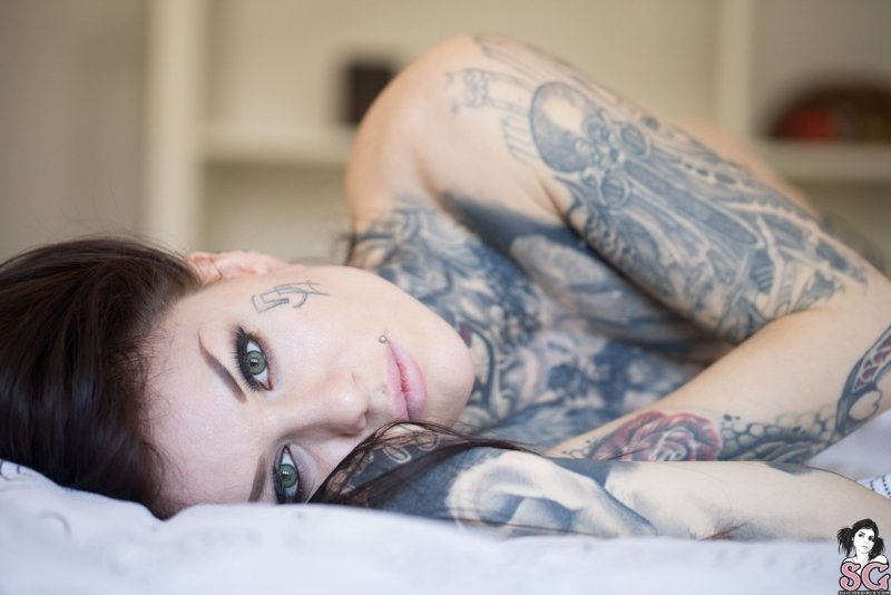 TOO MUCH LOVE su Suicide Girls