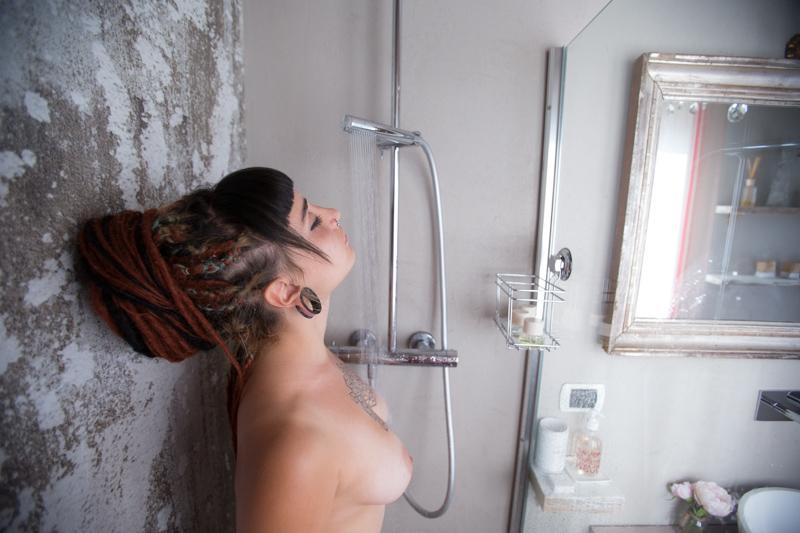 Una doccia con Jojo -